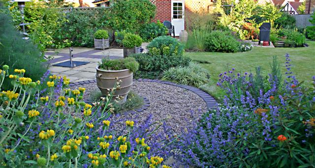 7 Tips to Make a Small Garden looks Bigger and Better