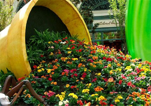 Pot Garden Ideas small garden dcor ideas diy project Spilled Flower Pot