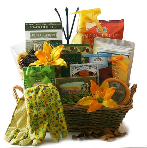 Mother S Day Container Garden Ideas: How To Create A Garden Gift Basket: Garden Gift Basket
