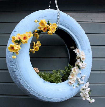 8 tire garden ideas you must look on balcony garden web. Black Bedroom Furniture Sets. Home Design Ideas