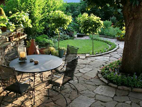 Ordinaire You Can Reduce These Chores By Implementing Low Maintenance Garden Ideas In  Your Garden. A Low Maintenance Garden Bestows Maximum Pleasure And Minimum  ...