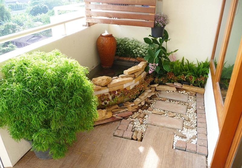 How to make a japanese balcony garden balcony garden web for Balcony garden