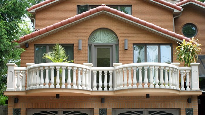Balcony railing ideas how to choose railings for balcony for Balcony of house