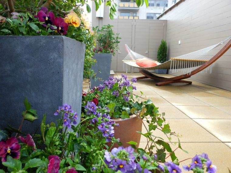Beautiful Terrace Garden (10)