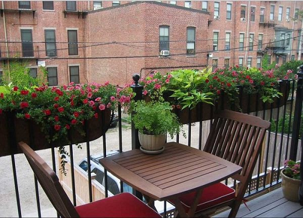 8 apartment balcony garden decorating ideas you must look for Apartment outdoor design