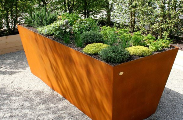 Make A Corten Steel Raised Beds To Grow Plants. Corten Steel Is A Modern  Alternative To Steel, Which Is More Durable And Low Maintenance.