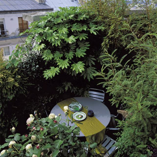 3 balcony garden designs for inspiration small garden for Inspirational small garden ideas