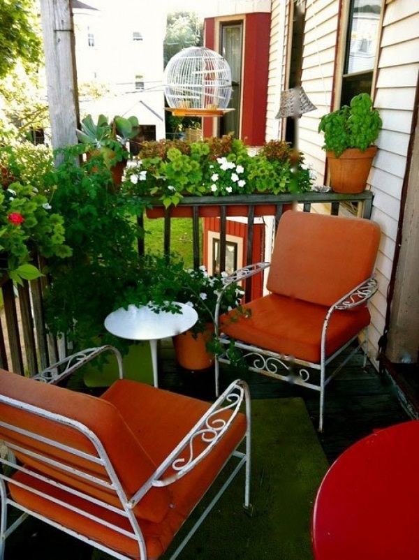 11 small apartment balcony ideas with pictures balcony for Patio furniture for narrow balcony