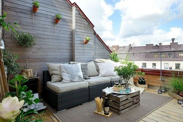 Utilize Vertical Space To Add More Space To Your Rooftop Garden, Hang  Planters On The Walls, Use Railing Planters And Grow A Lot Of Climbers. Part 13