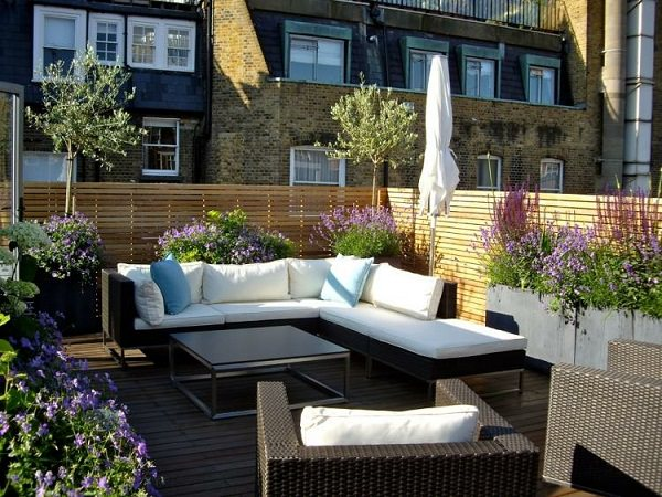 Cover your terrace garden with wood to give it amazing modern look. - How To Improve Privacy Of Rooftop Garden Rooftop Garden Ideas
