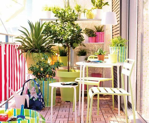 10 tips to start a balcony flower garden balcony garden design balcony ga - Decoration petit balcon ...