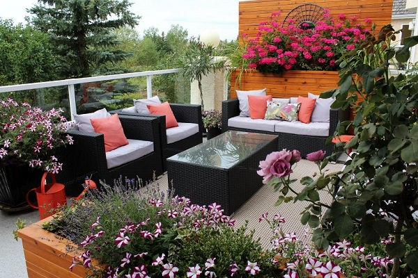 10 tips to start a balcony flower garden balcony garden