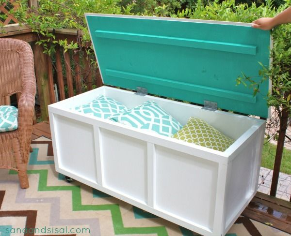 Make A DIY Storage Bench For Your Patio Or Terrace With The Help Of The  Tutorial Given On Sand And Sisal.