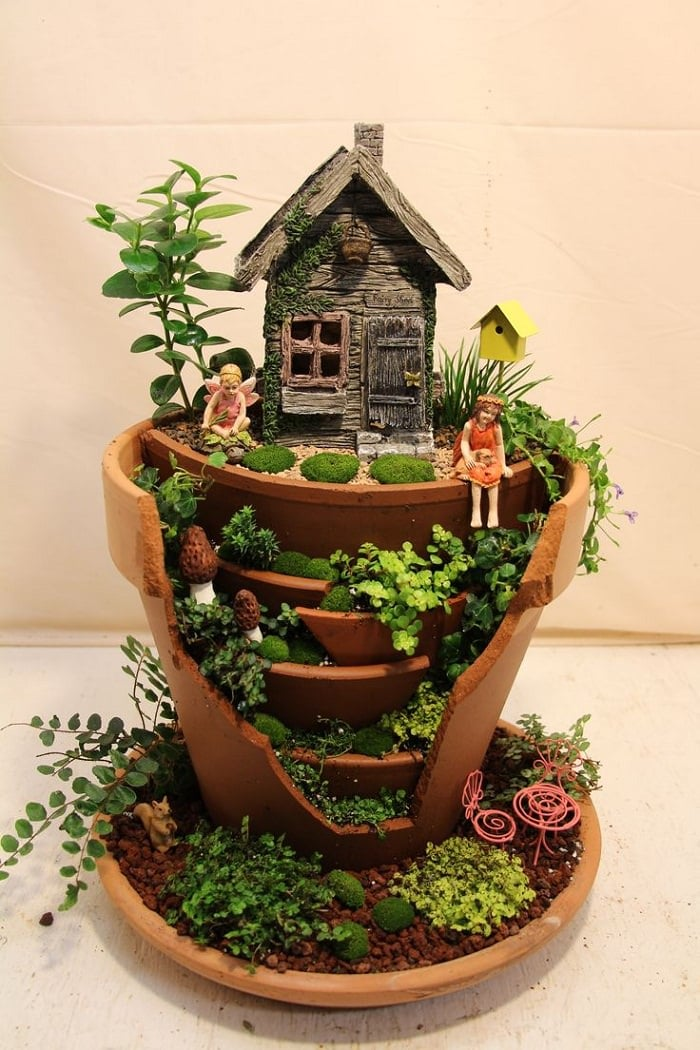 mini fairy garden inside clay pots diy fairy garden ideas 7