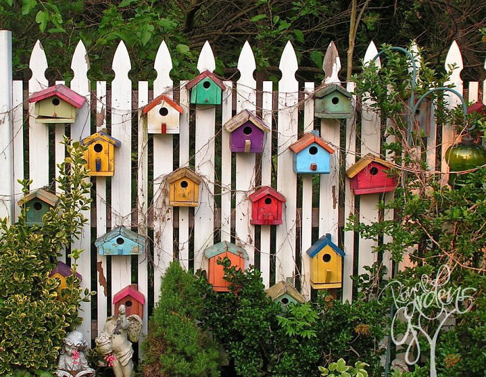 If You Would Like To Decorate A Wooden Fence, Well, U0027whatu0027s Better Than  Embellishing It With Colorful Birdhouses.