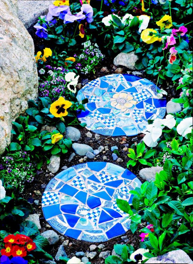 18 brilliant diy mosaic ideas for garden mosaic craft for Designs for mosaics templates