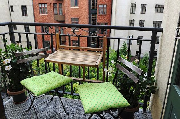 Things to have in a balcony apartment balcony ideas for Apartment design with terrace