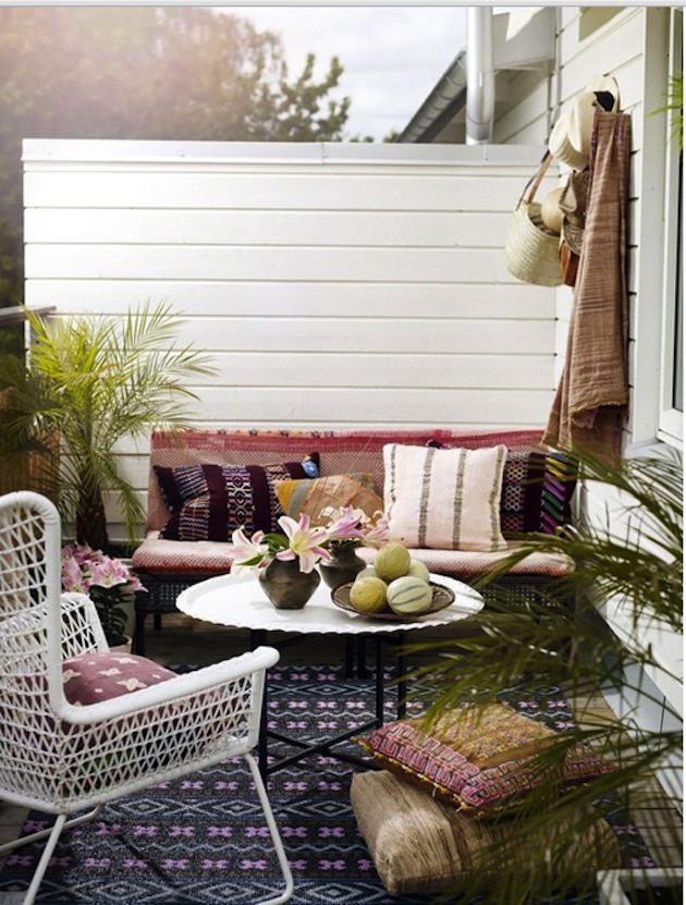sofa balkon best hasr rme balkon ve bahe ke oturma grubu. Black Bedroom Furniture Sets. Home Design Ideas