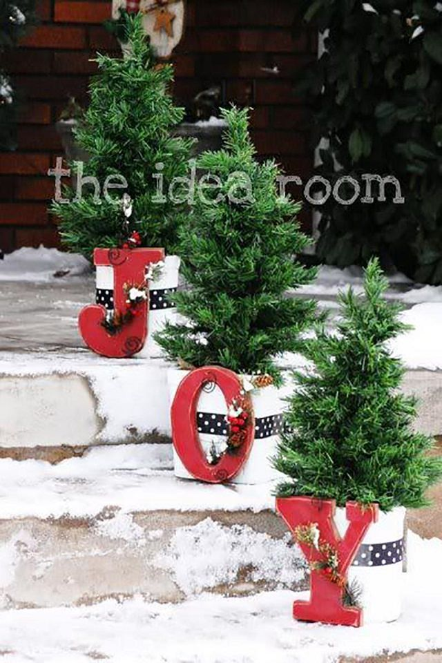 Arrange An Assortment Of Planters Planted With Trimmed Conifers Or Shrubs  On Your Entrance For A Clean, Seasonal Look. To Add A Tiny Bit Of Holiday  Cheer, ...