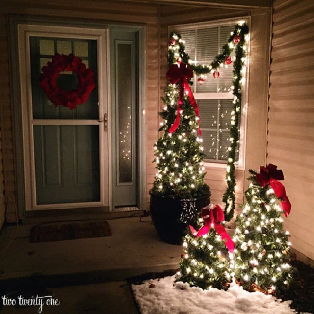 27 cheerful diy christmas decoration ideas you should look Outdoor christmas tree photos