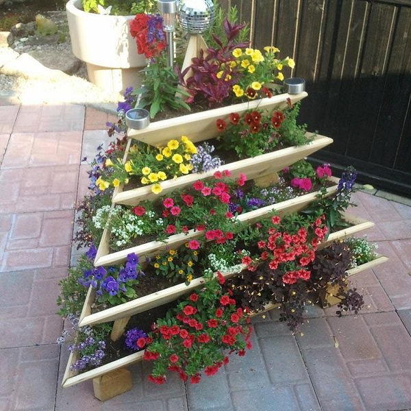 Diy Balcony Garden Ideas: 14 Dramatic DIY Flower Tower Ideas