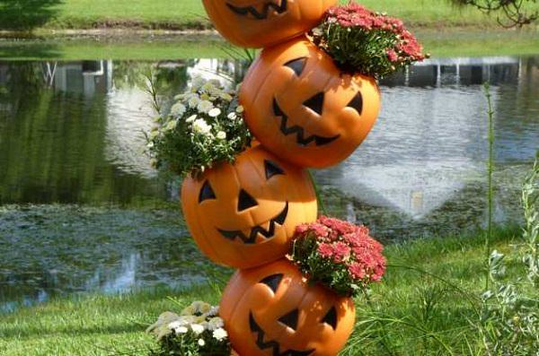 Make A Funny Looking Topsy Turvy Pumpkin Flower Tower To Showcase Your  Flowers. Watch The Tutorial Video On Youtube!