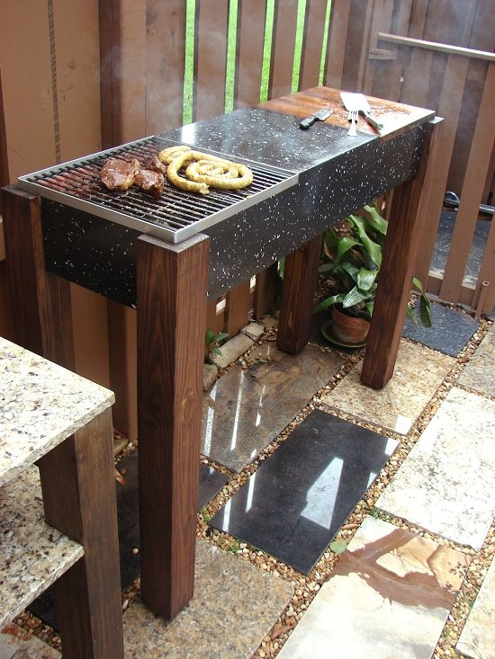 Attirant If Youu0027re A Skilled DIYer, You Can Create This Mobile Grill Made Of Granite  Stones For Your Backyard. Check Out The Step By Step Instructions Here!