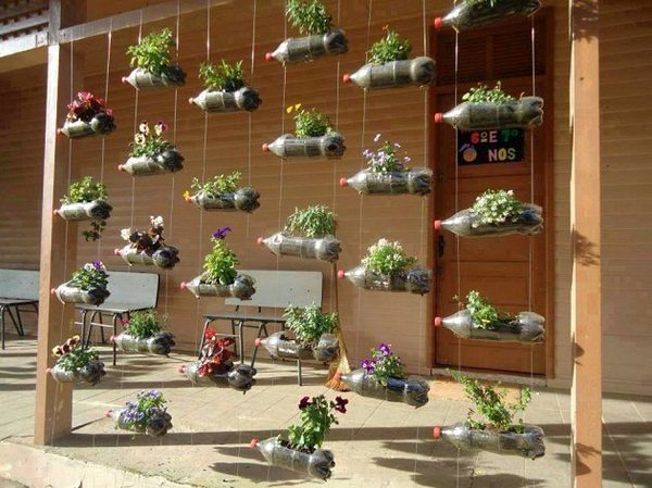 13 Plastic Bottle Vertical Garden Ideas | Soda Bottle Garden ...