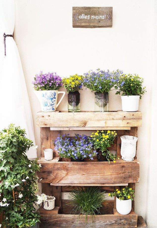 Balcony Decorating Ideas | 10 Things to Buy for a Balcony ...