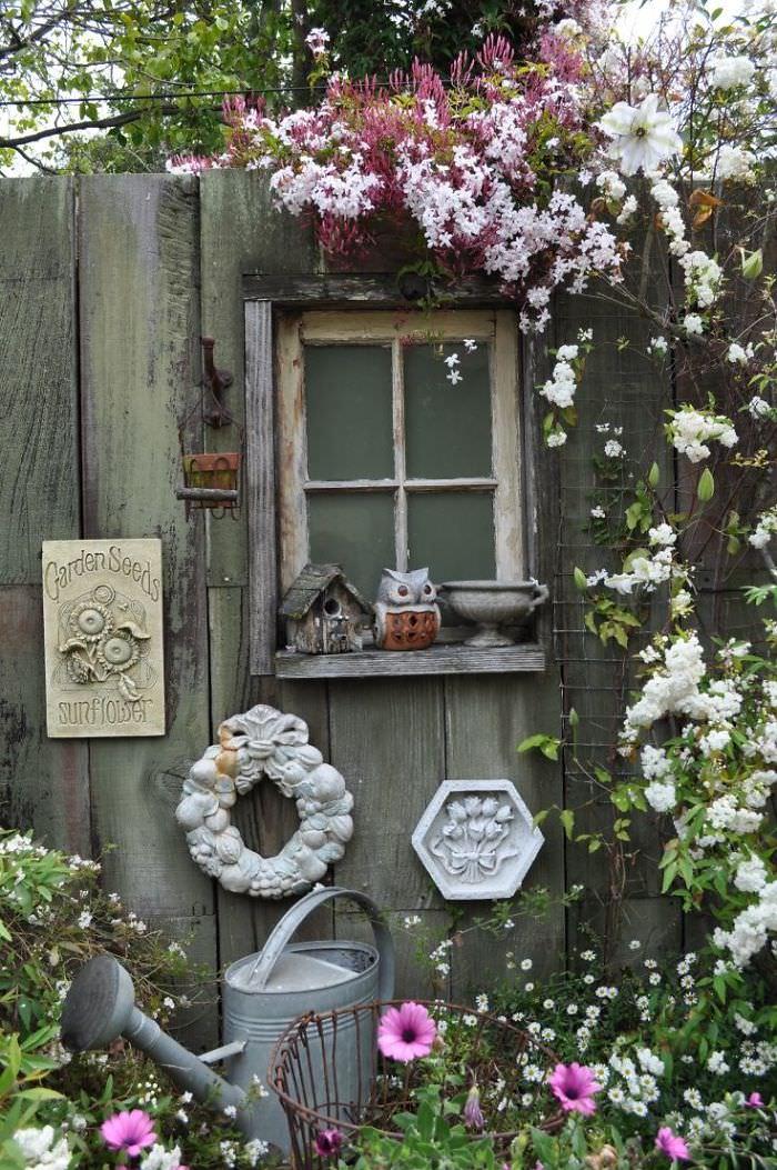 13 Garden Fence Decoration Ideas To Follow | Balcony ... on Backyard Fence Decor Ideas id=62571