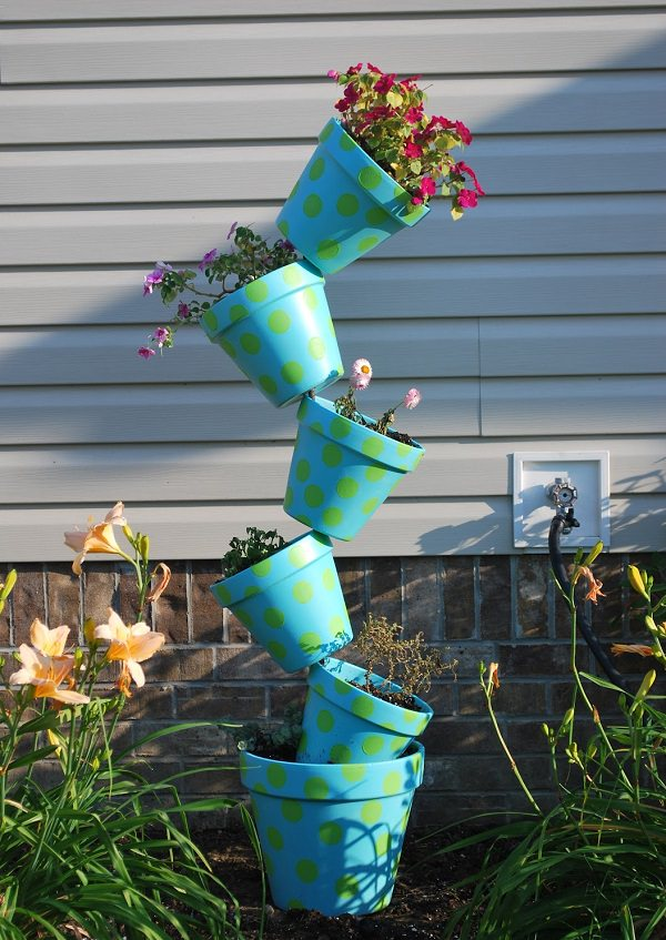 14 Dramatic Diy Flower Tower Ideas Tower Garden Diy