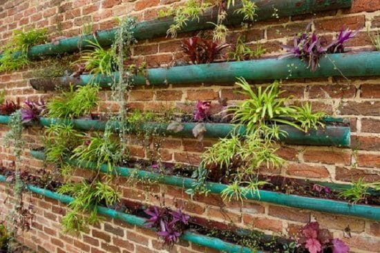 13 Vertical DIY Rain Gutter Garden Ideas For Small Spaces | Balcony ...