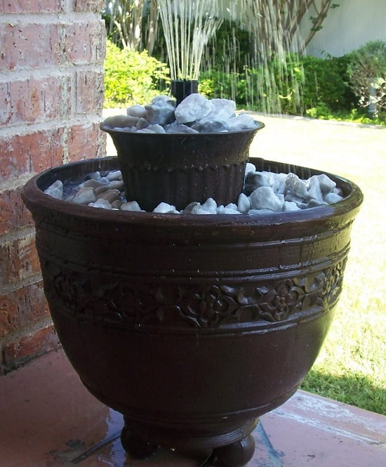 14 DIY Container Water Fountain Ideas That Are Easy And ...