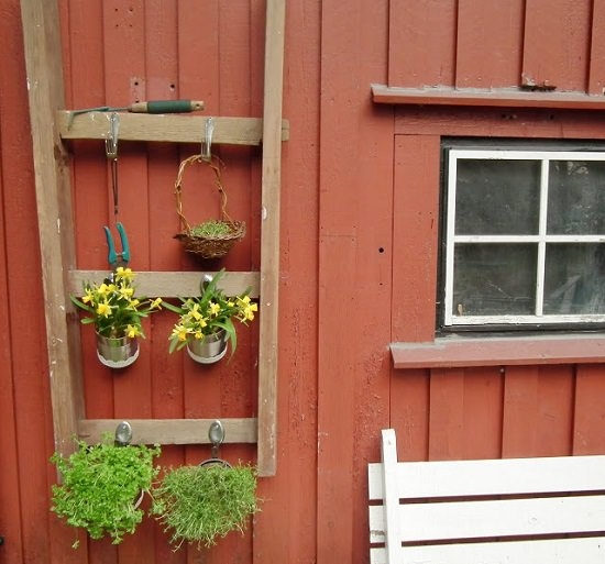 15 Stunning Container Vegetable Garden Design Ideas Tips: 17 Ingenious DIY Vertical Ladder Planter Ideas For